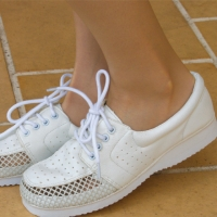 Ladies Mesh Walking Shoes